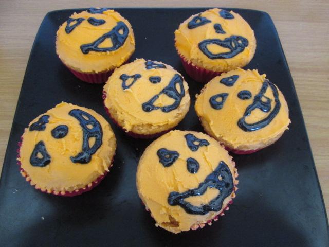 Halloween Jack 'O Lantern cupcakes