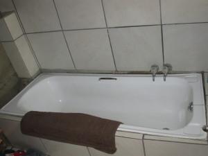 Wonky bath