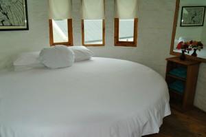 round bed (2)