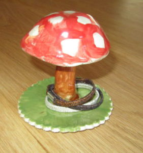 pottery-hair-tie-mushroom