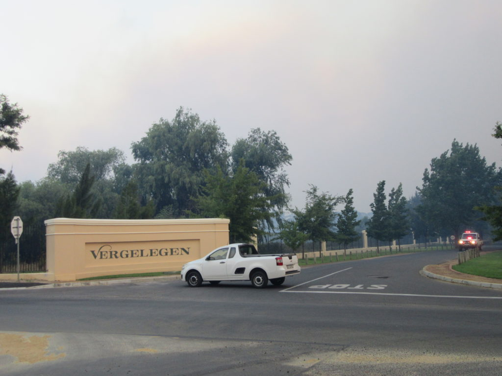 Vergelegen Wine estate entrance is at the end of our road here.  At around 18h30 the entrance was blocked.